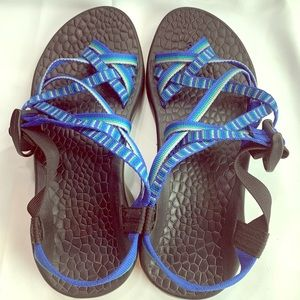 Chaco Blue Double Strap Toe Strap Sandals Size 7